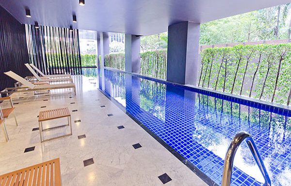 Noble-Reveal-Bangkok-condo-swimmingpool-2